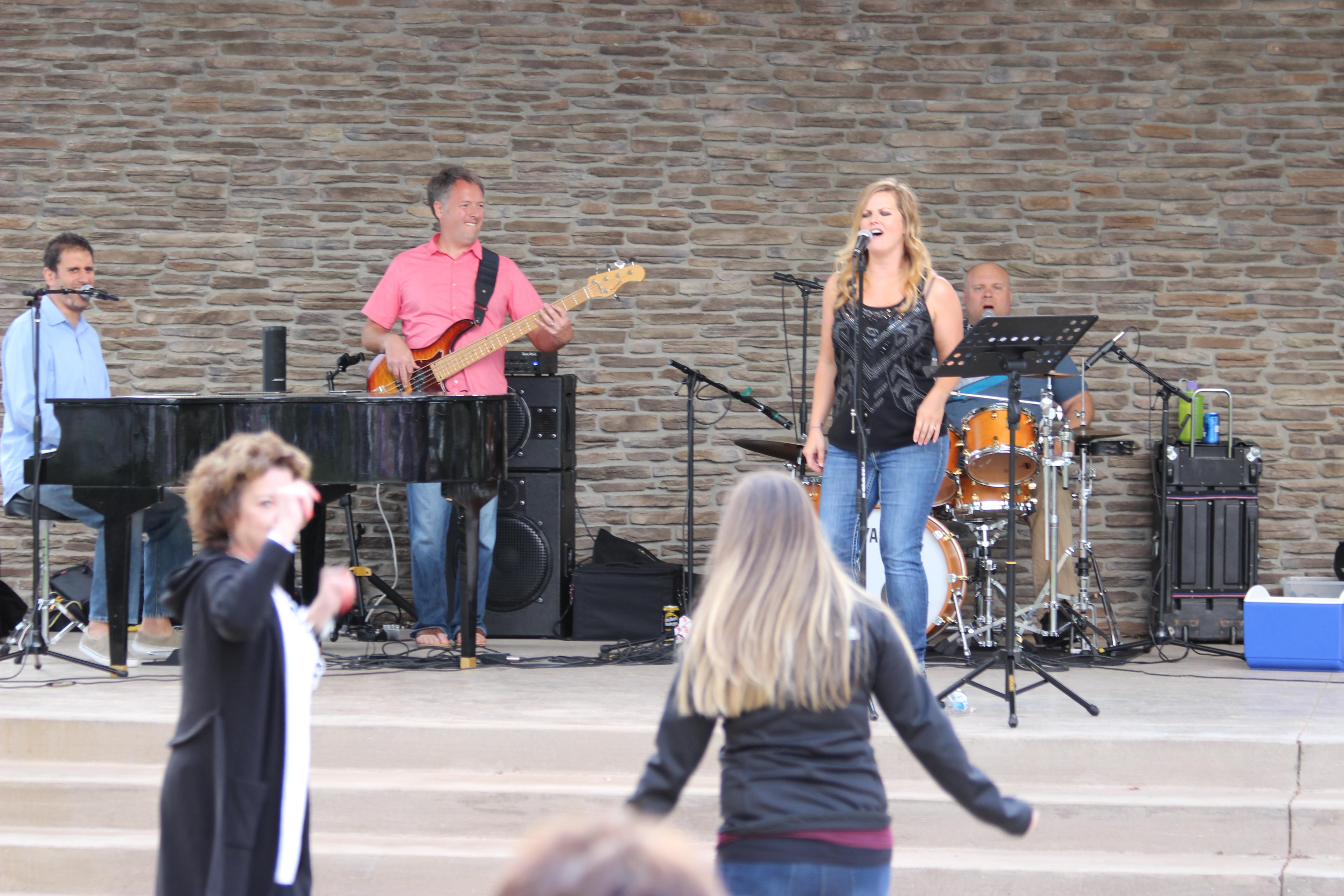 Kelly Carey Concert (8)