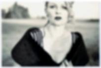 """dorothea flatau . """"incredible"""" . inszenierte fotografie mit selbstauslöser"""