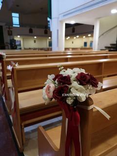 Jcraftyourevents_Church Pew Closeup Flor