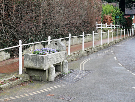 1912: Memorial trough near the stocks
