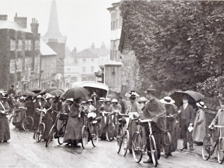 July 22 1913: Suffragist Pilgrims march through Mid Sussex to Hyde Park