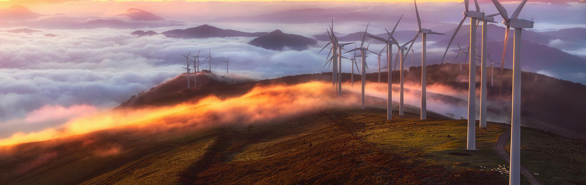 wind-turbines-618557356_3600x2404.jpg