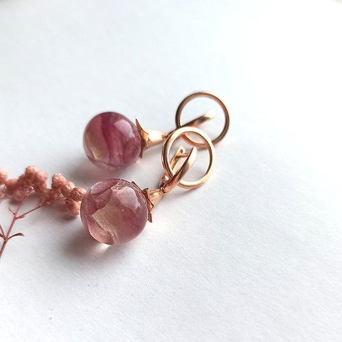 Крупные серьги-колокольчики с нежно-розовой гортензией
