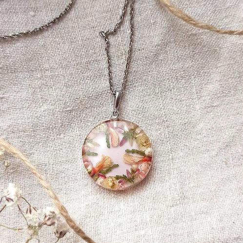 Серебряный кулон с цветочной композицией