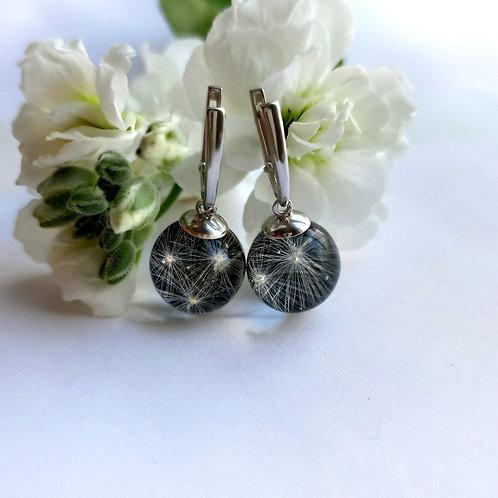 Классические серебряные серьги с пушинками на чёрном, арт. 12-1500-26*