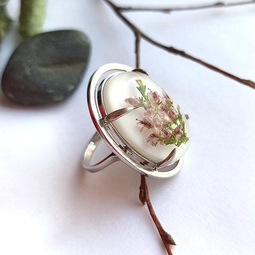 Крупное серебряное кольцо с лиловым вереском