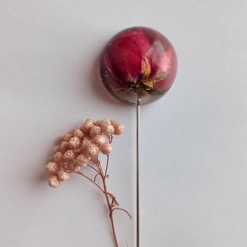 Брошь-игла с бутоном розы
