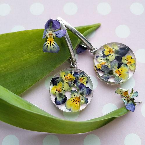 Романтичные серебряные серьги с полевыми фиалками, арт. 02-2406-09