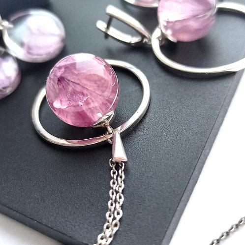 Кулон-сатурн с розовой гортензией