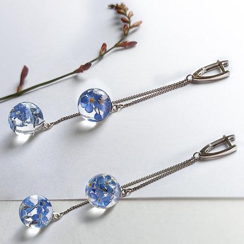 Стильные серебряные серьги с незабудкам