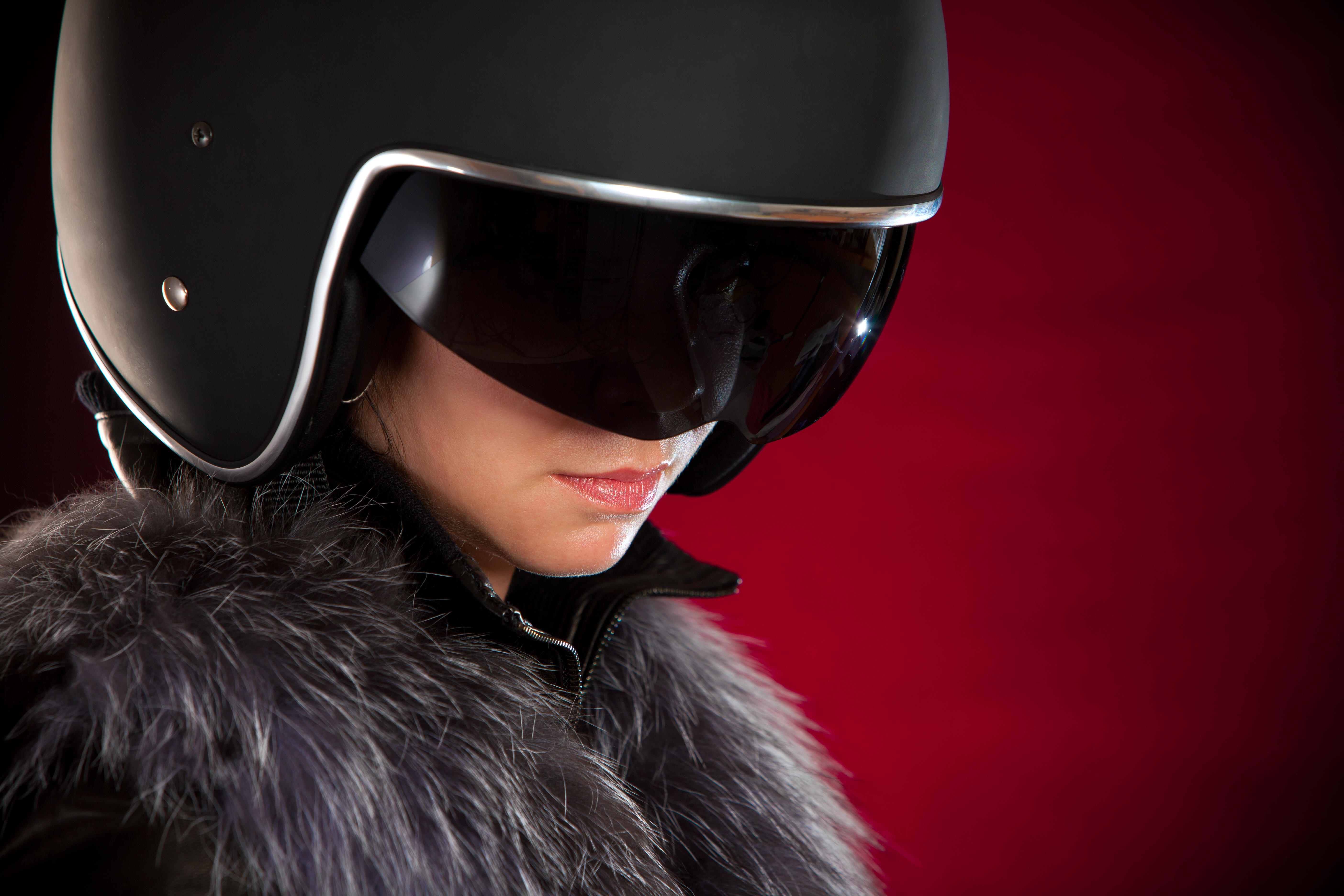 photodune-1362571-biker-girl-in-a-helmet-xxl