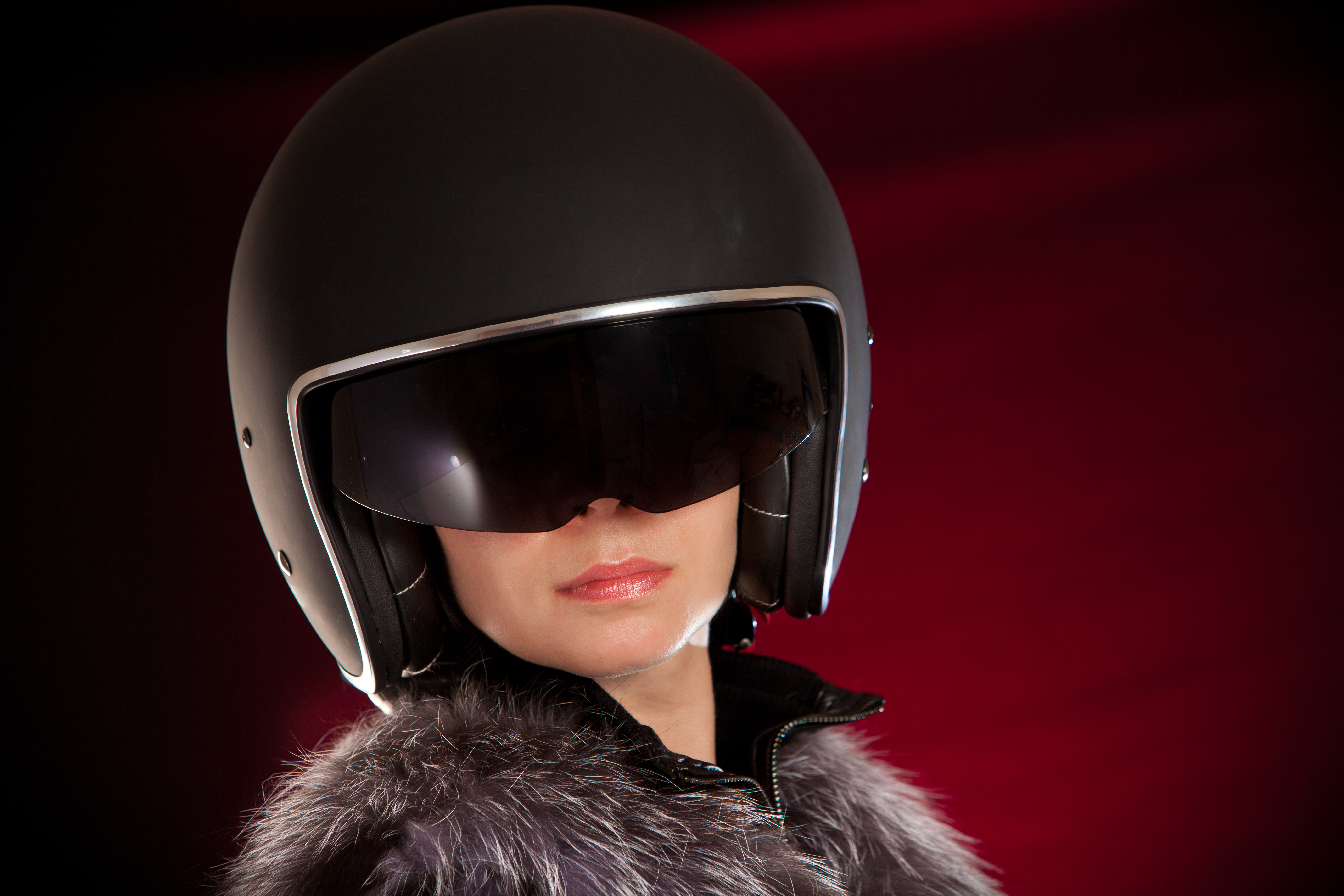 photodune-1362576-biker-girl-in-a-helmet-xxl