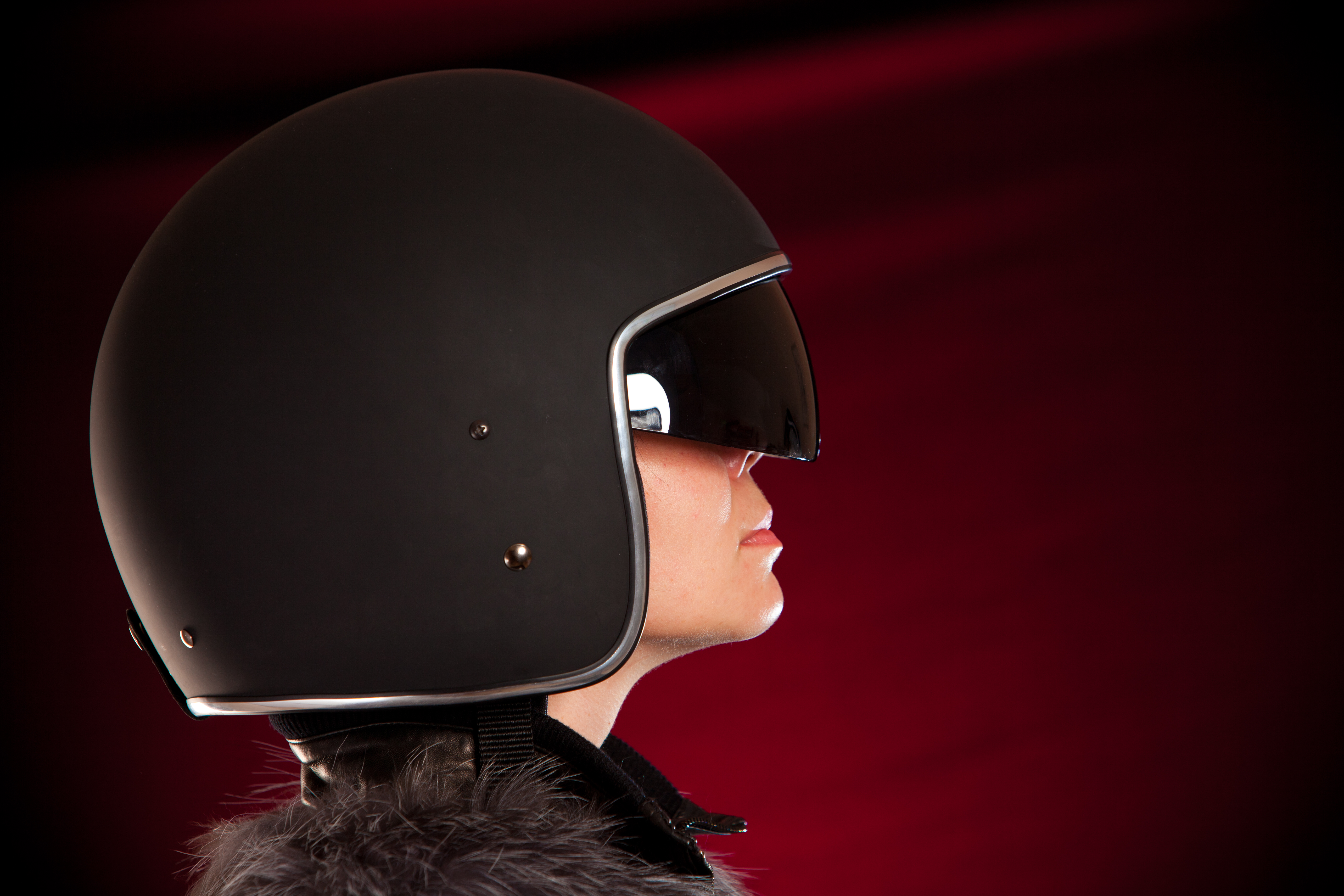 photodune-1362539-biker-girl-in-a-helmet-xxl