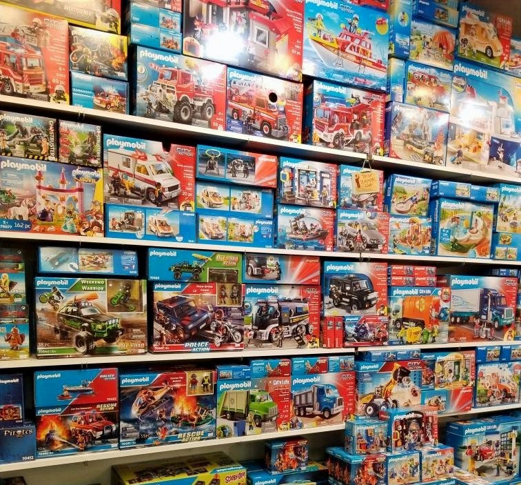 Playmobil_edited.jpg