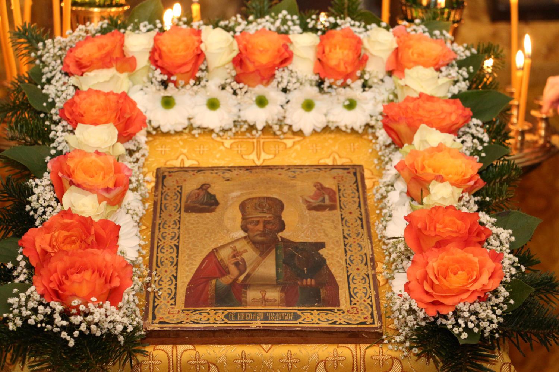 Église orthodoxe russe Saint Nicolas, Saint-Louis_France2