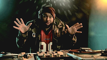 """SONY ERICSSON """"Angry DJ"""""""