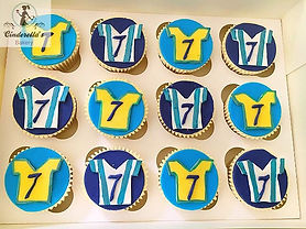 fooball cupcakes