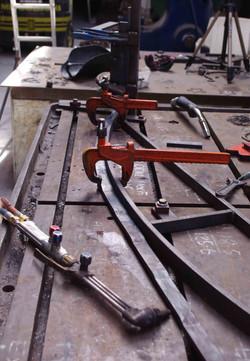 Bending bottom rails