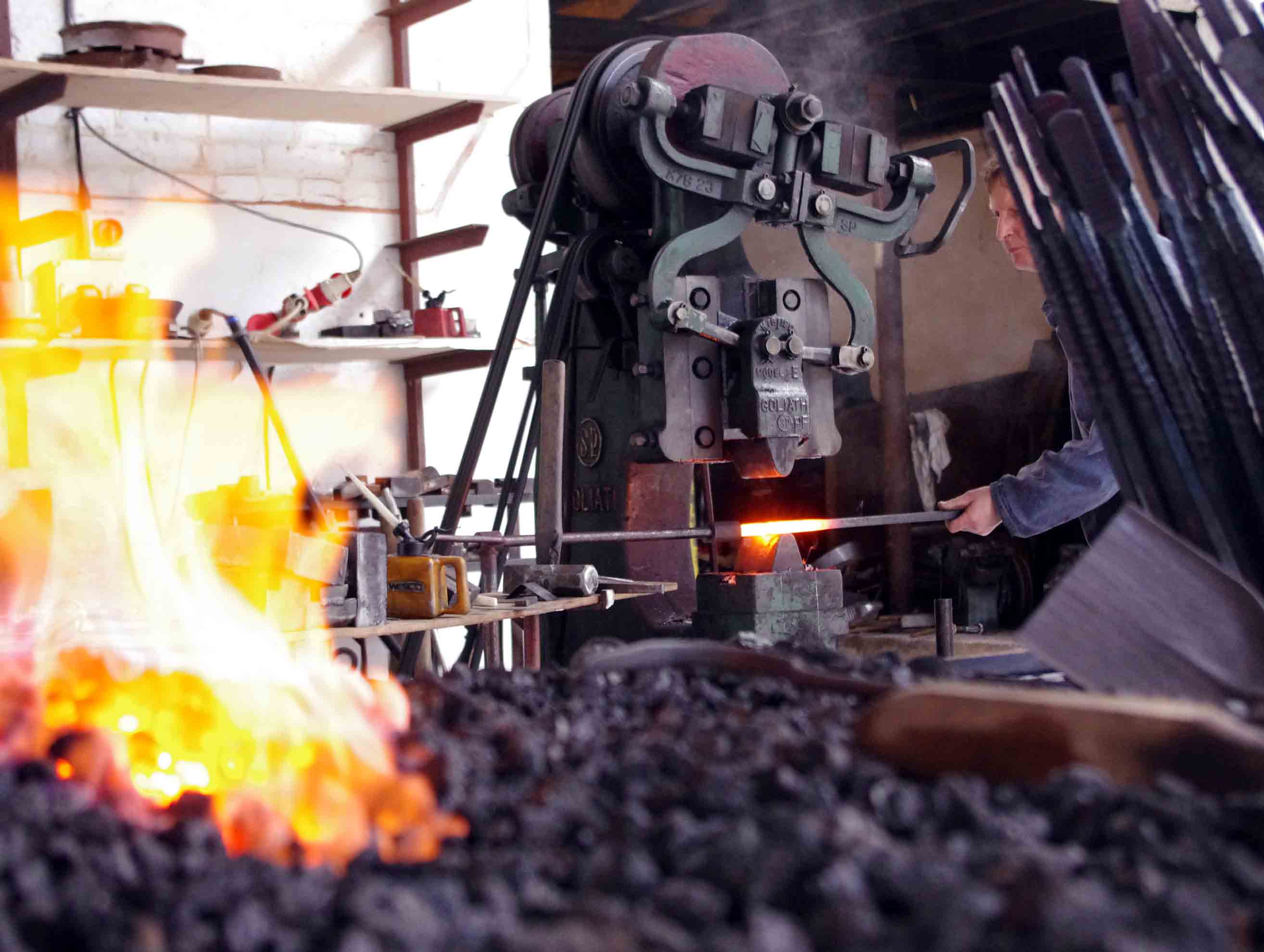 Forging the uprights