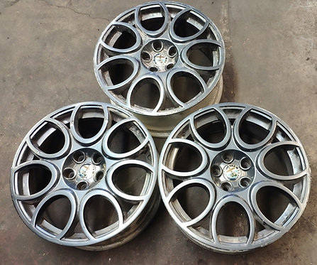 3 Alloy Wheels 18 inch