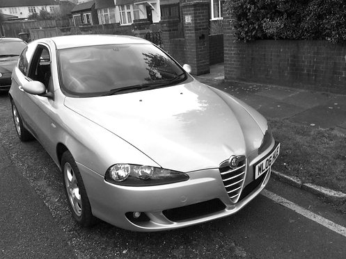 SOLD alfa romeo 147 silver 1.6 t.spark lusso hatchback 3d 1598cc