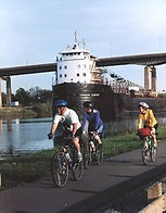 Cyclists along the Welland Canal