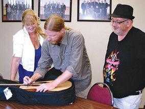 Guitar signed by blues powerhouses helps promote Thorold tourism