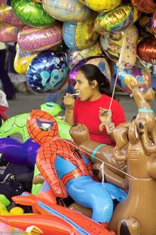 Balloon lady takes a break