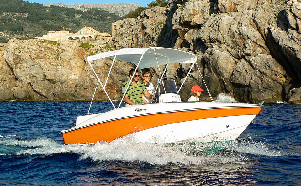 visit cafe mambo with one yellowboat , the best option for boat rental in Ibiza. watch the sunset by boat in san antonio private boat rental