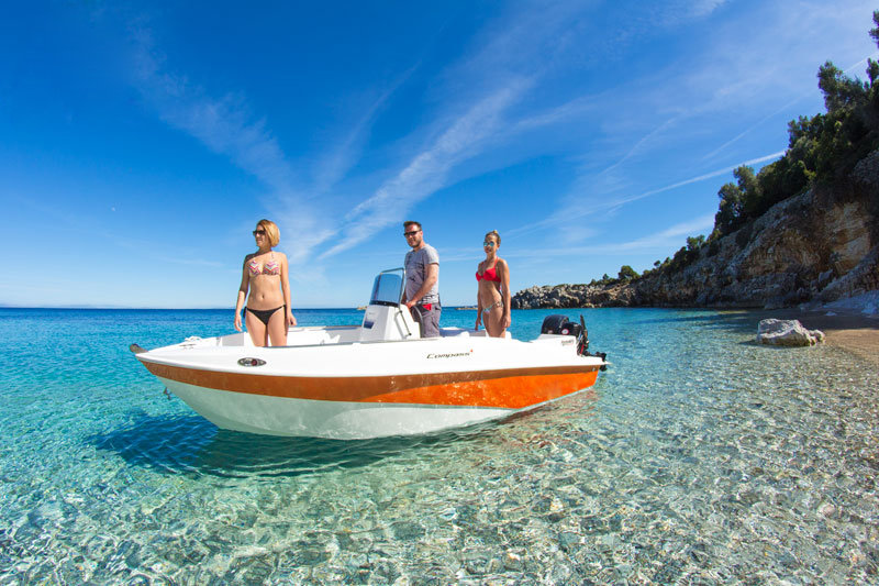 rent one boat in Ibiza, you don't need license or qualificatión the see the best beaches in Ibiza