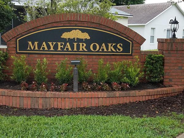 Mayfair Oaks sign.jpeg
