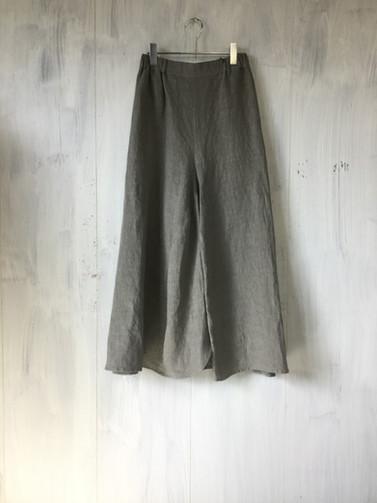 スカート風パンツ