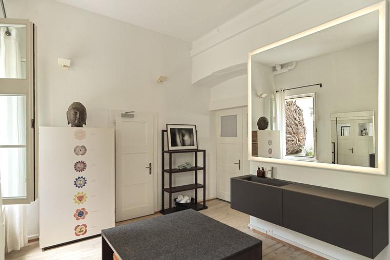 Muladhara Dressingroom 2_edited.jpg