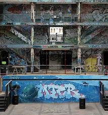 Piscine Molitor, bassin intérieur, fresques