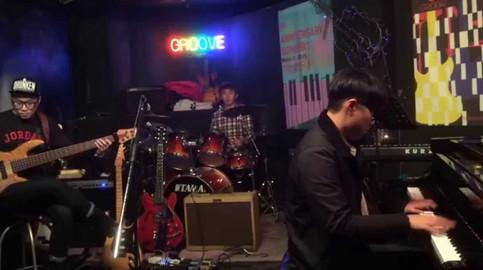 Autumn Leaves / Groove Jazz Trio