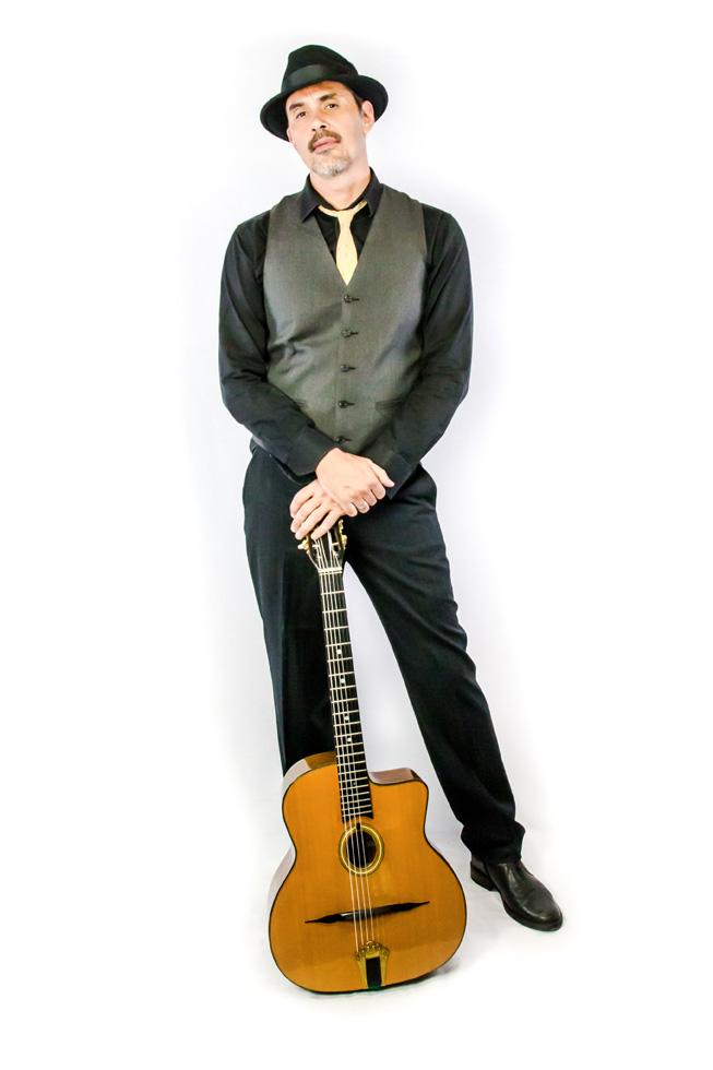 NACHO MARTINEZ_Guitarra