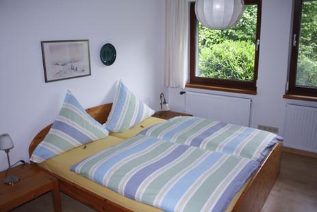 Schlafzimmer mit Doppelbett | Ferienhaus Tietjen Worpswede