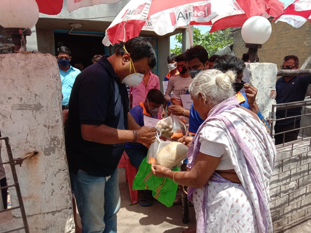 Purnata team in Kolkata passes out care packages