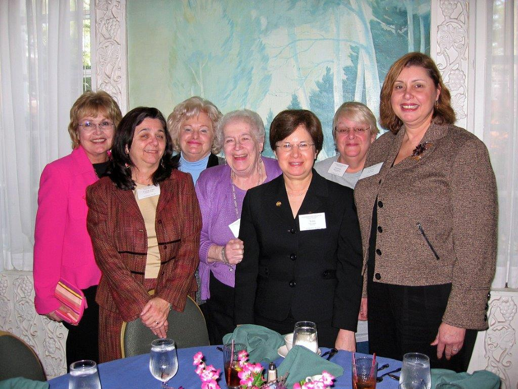 District Meeting Saratoga, NY     11-5-05 Dot McNamara, Charlynn Willis,Dee Carr