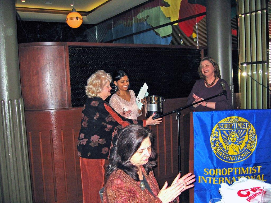 Women's Recognition Dinner at Colors March 13, 2006 Dee Carroll, Linda Dianto, R