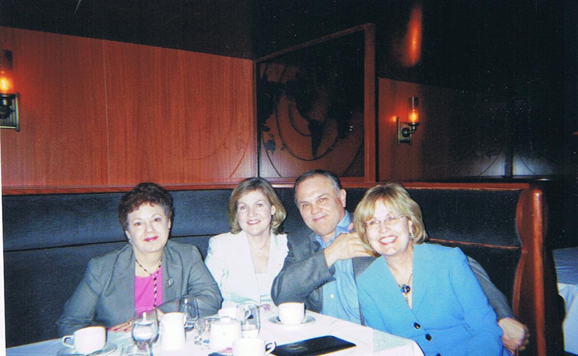 Merilyn (friend of Dorothy), Dorothy's sister & brohet-n-law, sister and husDoro