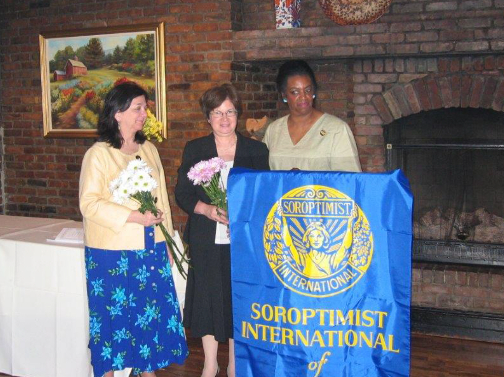 SIM 10th Anniversary June 2008 Charlynn Willis, Toni Aiello, Lenore Scurry.jpg