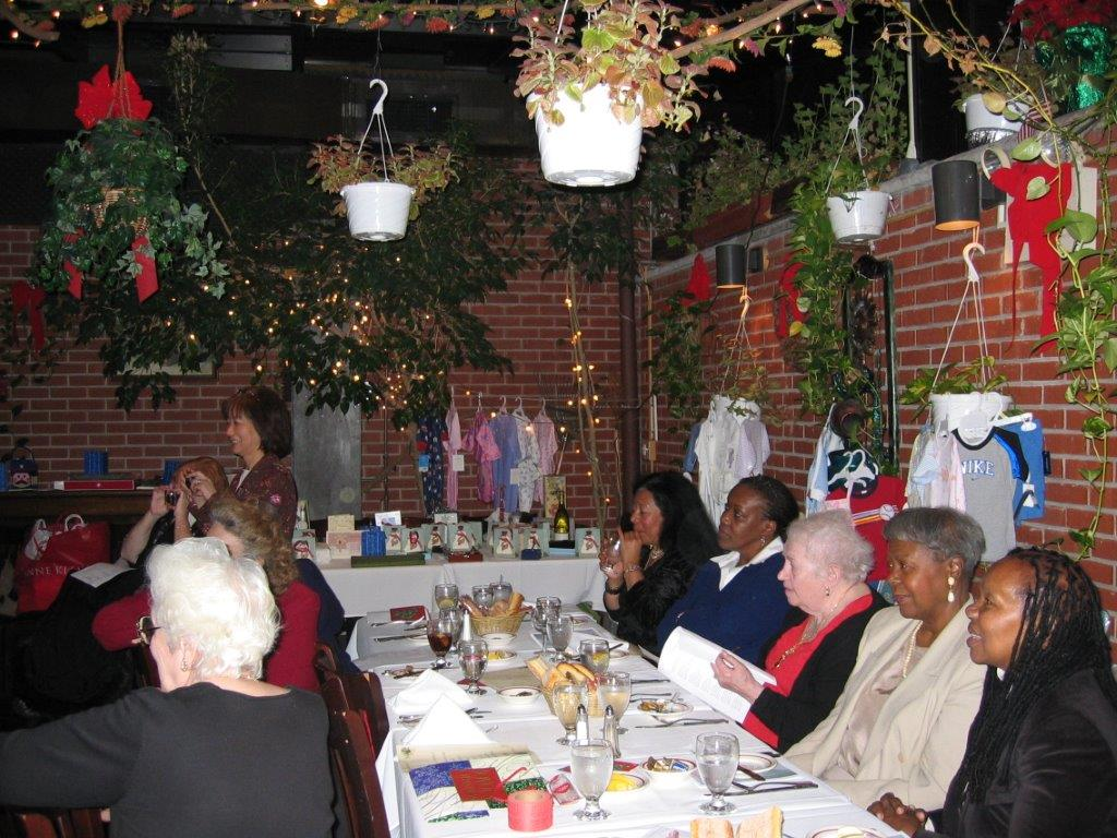 Holiday Party December 13,2006  Guests, Rena Pincus, Janet Pierro, Ann Taylor.jp