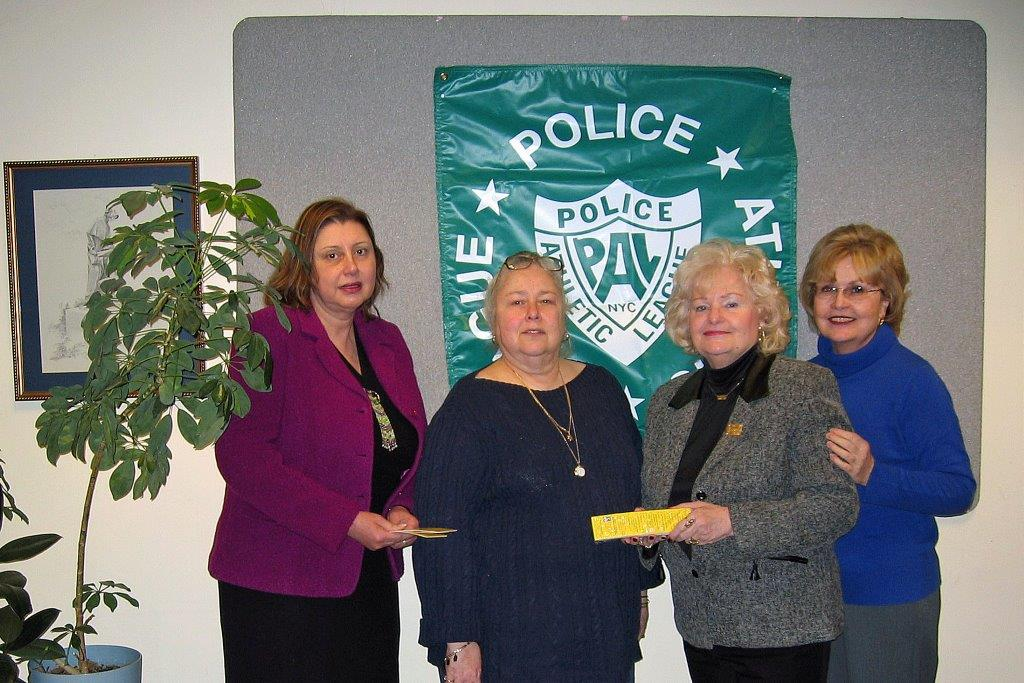 Bookmark Project with PAL   February 28, 2006 Linda Dianto, Fran Gilstein, Dee C