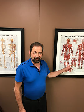 Alex explaining how the psoas affects back pain