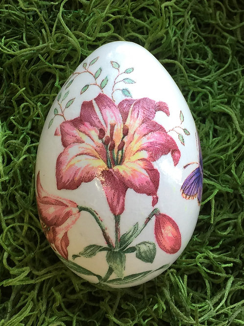 EASTER EGG (MS-25/1) with Lilies and Butterfly