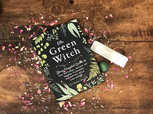 The Green Witch by Arin Murphy - Hiscock