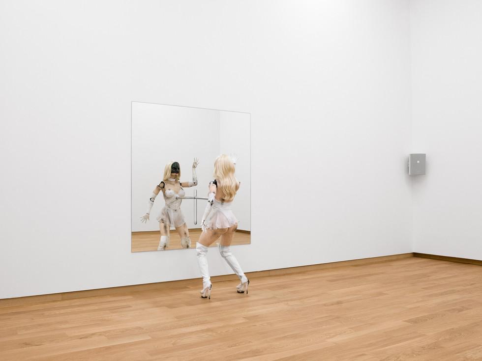 Jordan Wolfson / Stedelijk Museum Amsterdam