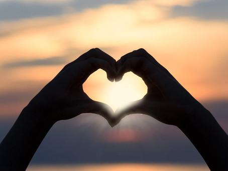 Vive tu vida con amor