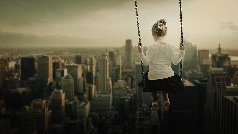 niña rascacielos